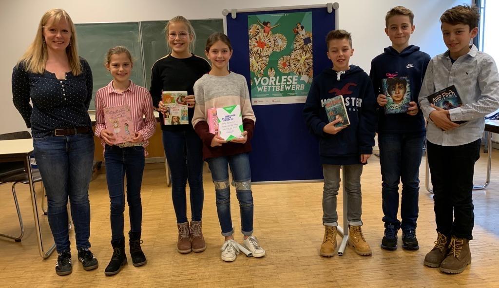 Sechs mutige Stimmen sorgen für absolute Stille - Gymnasium Calvarienberg