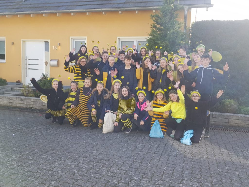 "drei Mal ""Calvarienberg Alaaf"" - Prinzessinnen Triple in Bachem - Gymnasium Calvarienberg"