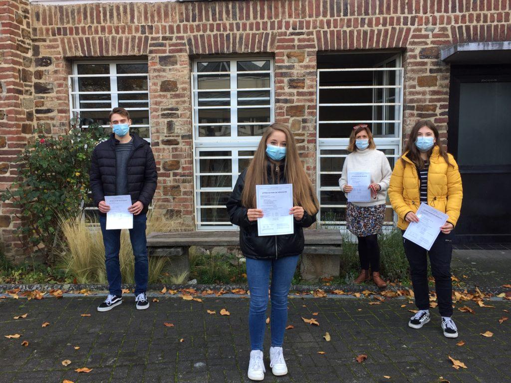 Erfolgreiche DELF-Prüfungen am Gymnasium Calvarienberg - Gymnasium Calvarienberg