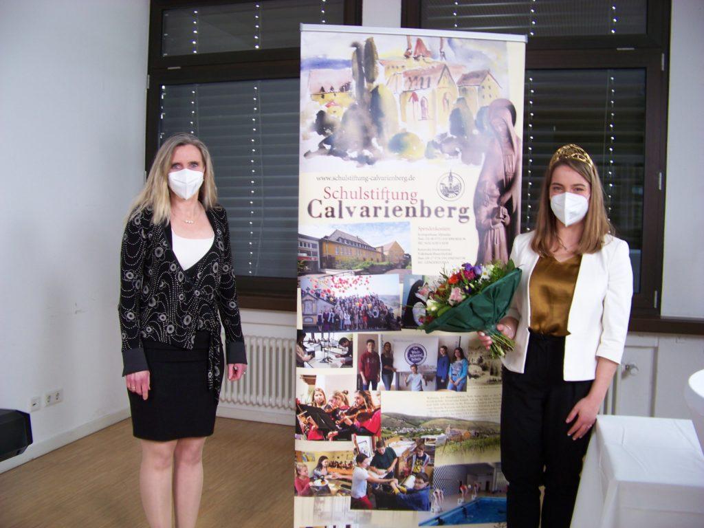 Schulleiterin Frau Dr. Gies und die Deutsche Weinkönigin Eva Lanzerath (Foto Renate Köllges)
